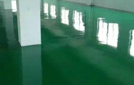 环氧自流平地坪漆完工后要如何判断施工质量?